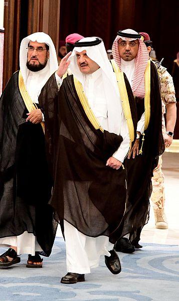 والطالبات. الأمير سعود نايف يؤكد
