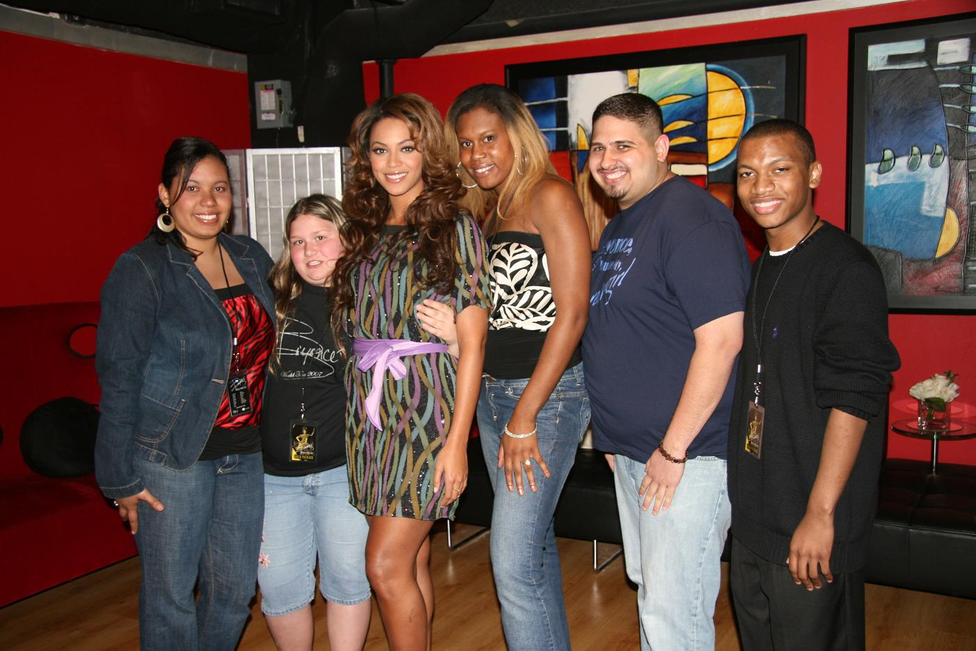 Happy Birthday Here\s a picture of me Tyrone Willis with along with some of her adoring fans!