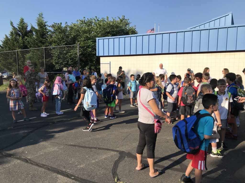 First day is here!!! Welcome back, Bulldogs!!! <a target='_blank' href='http://search.twitter.com/search?q=phesbulldogs'><a target='_blank' href='https://twitter.com/hashtag/phesbulldogs?src=hash'>#phesbulldogs</a></a> <a target='_blank' href='http://twitter.com/APS_HankHenry'>@APS_HankHenry</a> <a target='_blank' href='http://twitter.com/APSHenrySnyder'>@APSHenrySnyder</a> <a target='_blank' href='https://t.co/jzDJwuAtW9'>https://t.co/jzDJwuAtW9</a>