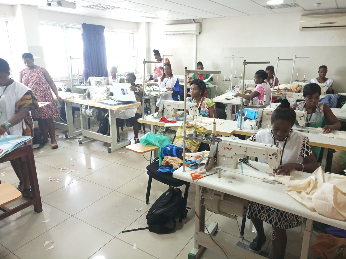 Bluecrest Ghana A Twitter Sewing Lab Our Fully Furnished Sewing Lab For The School Of Fashion Focus On Developing Key Fashion Design And Sewing Skills As Well As Encouraging Our Students To Develop