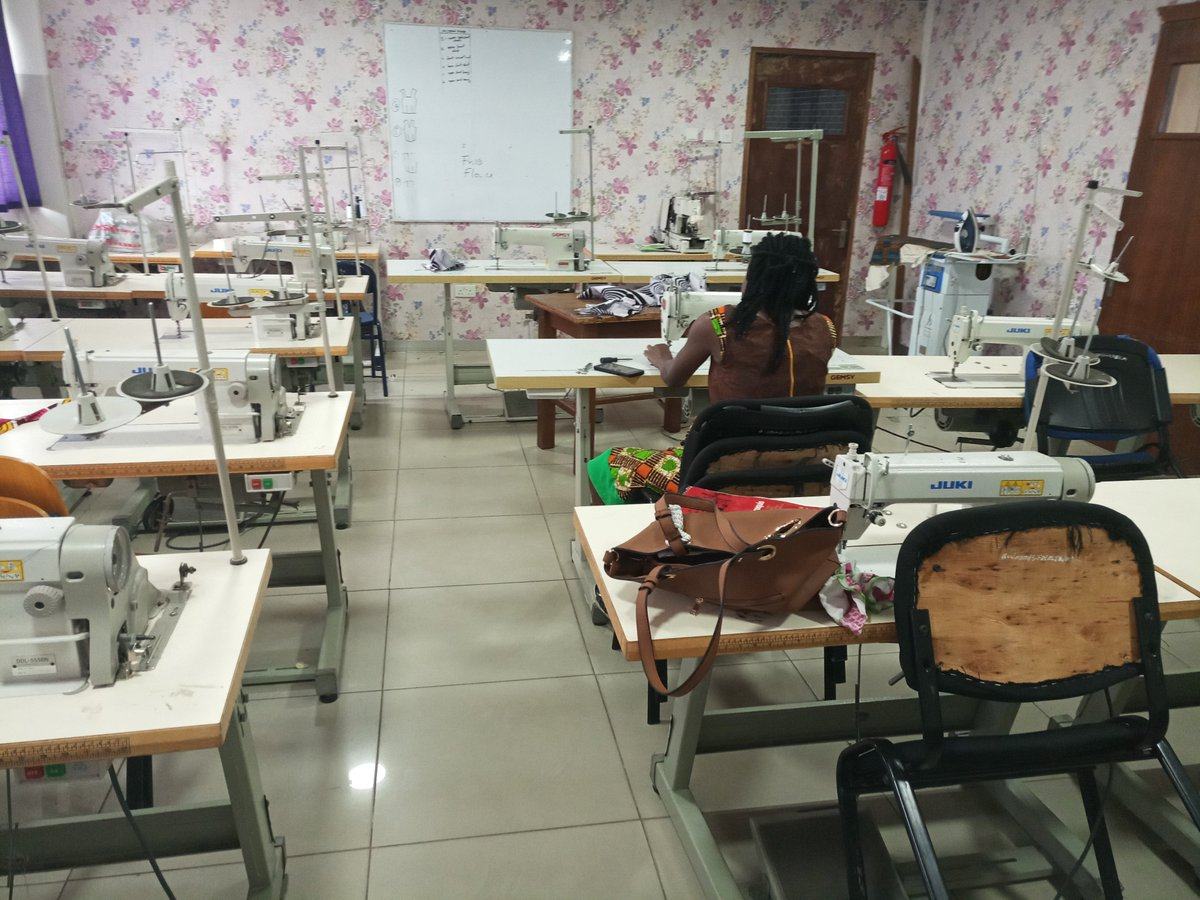 Bluecrest Ghana On Twitter Sewing Lab Our Fully Furnished Sewing Lab For The School Of Fashion Focus On Developing Key Fashion Design And Sewing Skills As Well As Encouraging Our Students To Develop