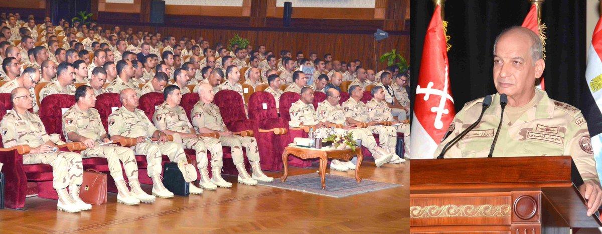 الفريق أول / محمد زكى القائد العام للقوات المسلحة وزير الدفاع والإنتاج يلتقى مقاتلى الجيش الثالث الميدانى DmUjmGuXgAAMU9b