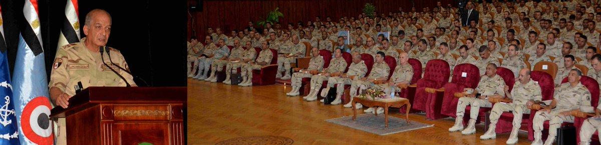 الفريق أول / محمد زكى القائد العام للقوات المسلحة وزير الدفاع والإنتاج يلتقى مقاتلى الجيش الثالث الميدانى DmUjmGvW4AAgGRJ