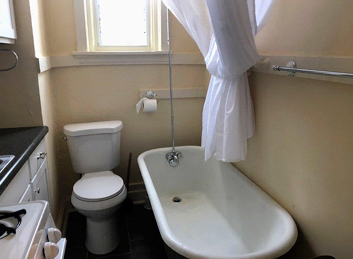 Apartamento nos EUA tem cozinha e banheiro no mesmo cômodo https://t.co/5iWXR3kT0X #PlanetaBizarro #G1