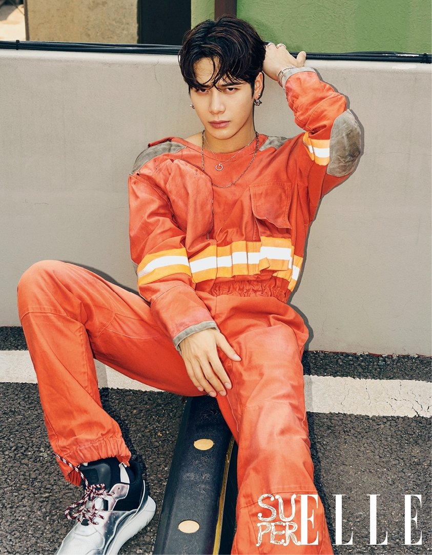 1e6b3aeadecd  180816  Jackson wearing CALVIN KLEIN - Distressed Fireman Jumpsuit for  Super Elle Magazine. It s available for  2