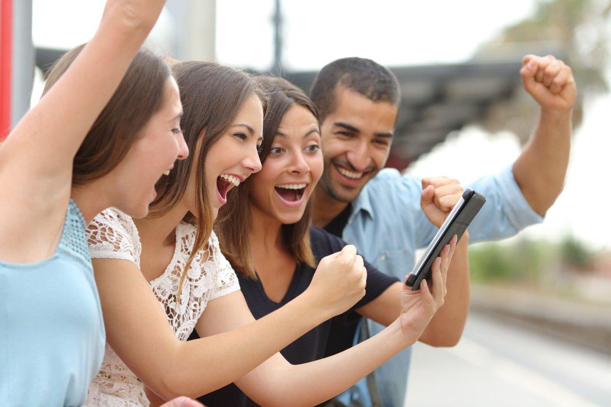 Para conseguir tu #sueño de ser #millonario, lo fundamental es #participar. Por eso hemos facilitado el acceso, para que puedas #jugar desde donde te sea más cómodo y todo gracias a los #JuegosActivos que encontrarás en nuestra #web http://ow.ly/RTPO30lGRGU #LoteríaSolpic.twitter.com/azm9CcNdTt