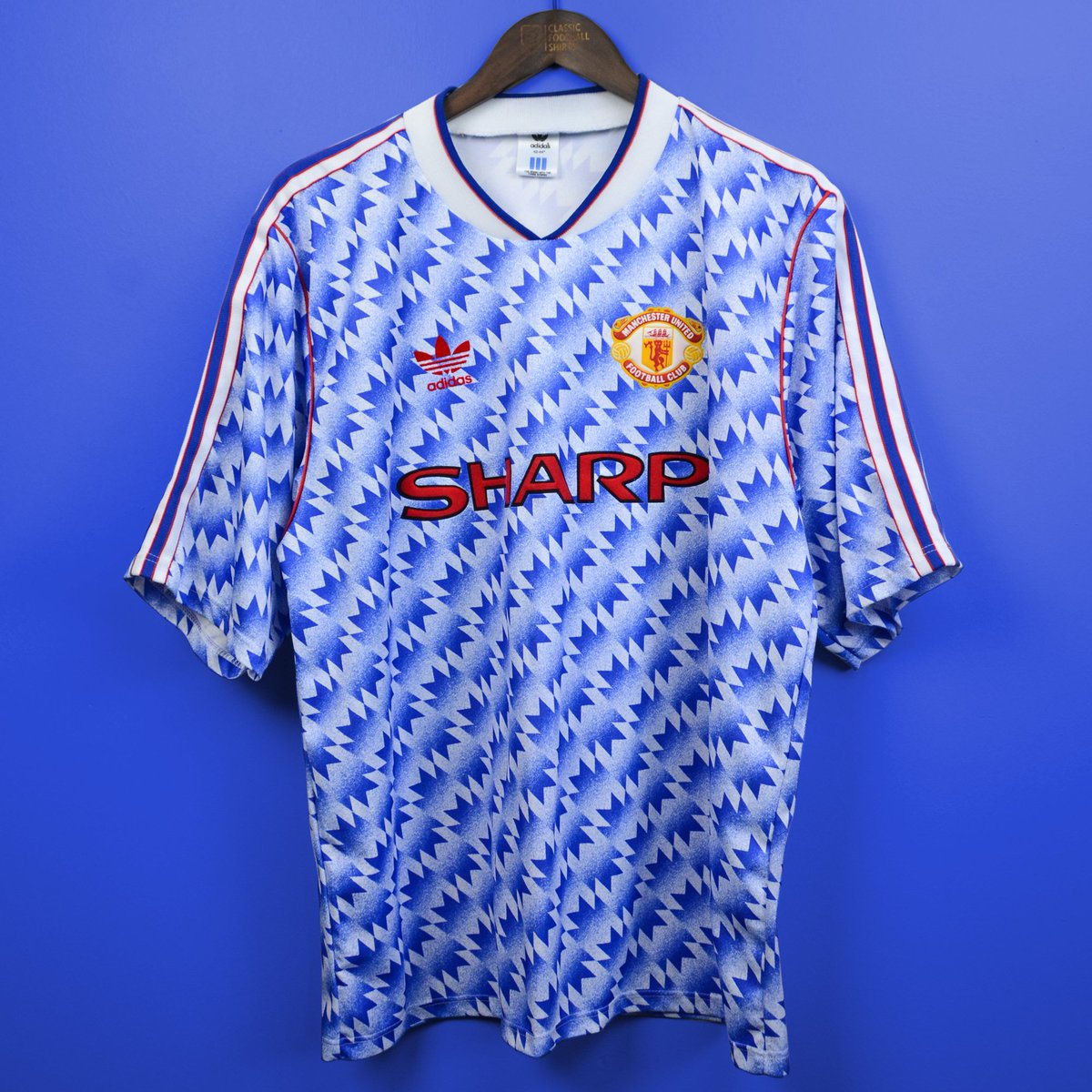 898df2fea Classic Football Shirts on Twitter