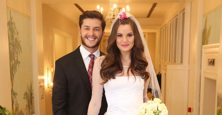 Camila Queiroz conta o que fez para ter sorte no casamento com Klebber Toledo. Confira! https://t.co/OR96hzilej