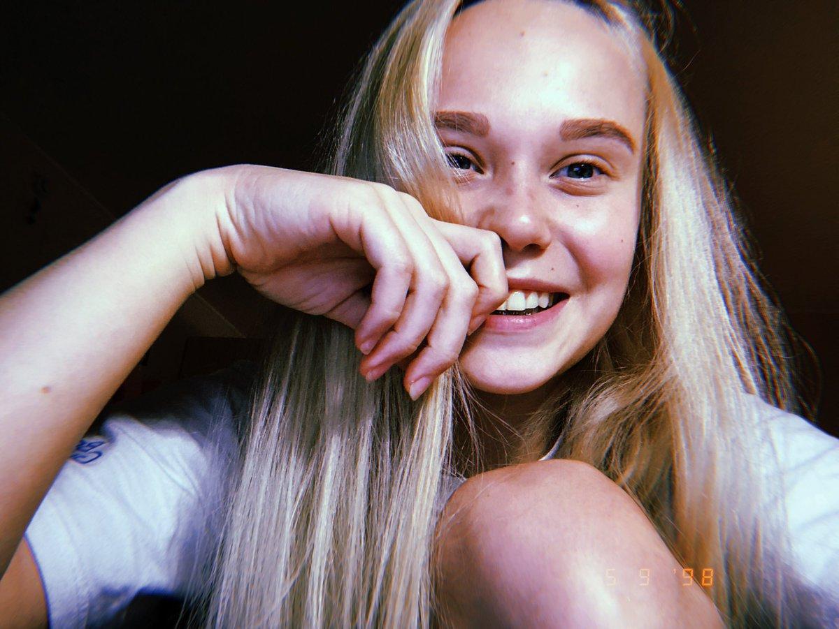 ANGELINA MELNIKOVA - Página 3 DmW4MoEX4AAVhT6