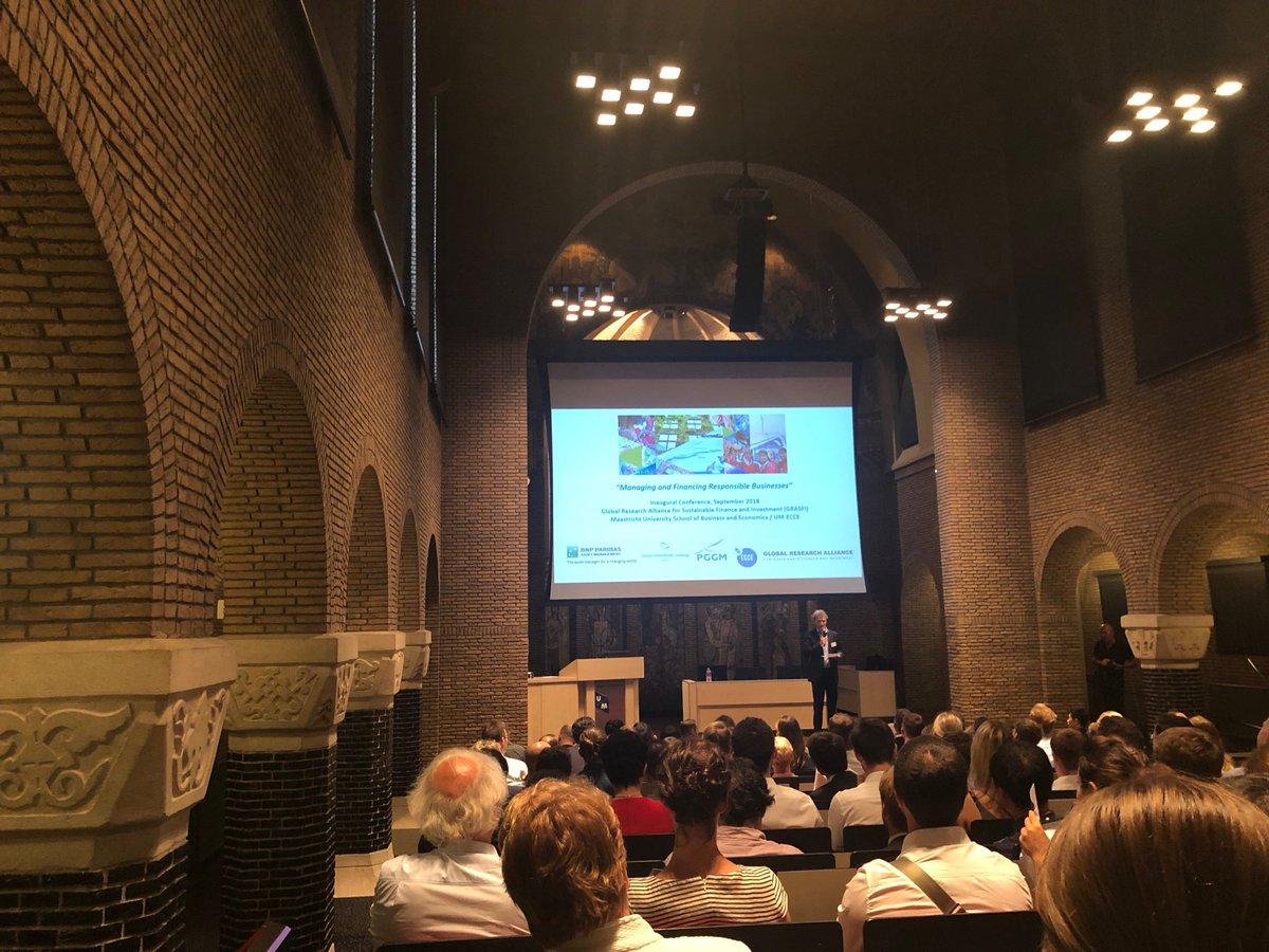 .@robbauerUM introducing @aedmans' opening keynote at first @susfinalliance conference @MaastrichtU: