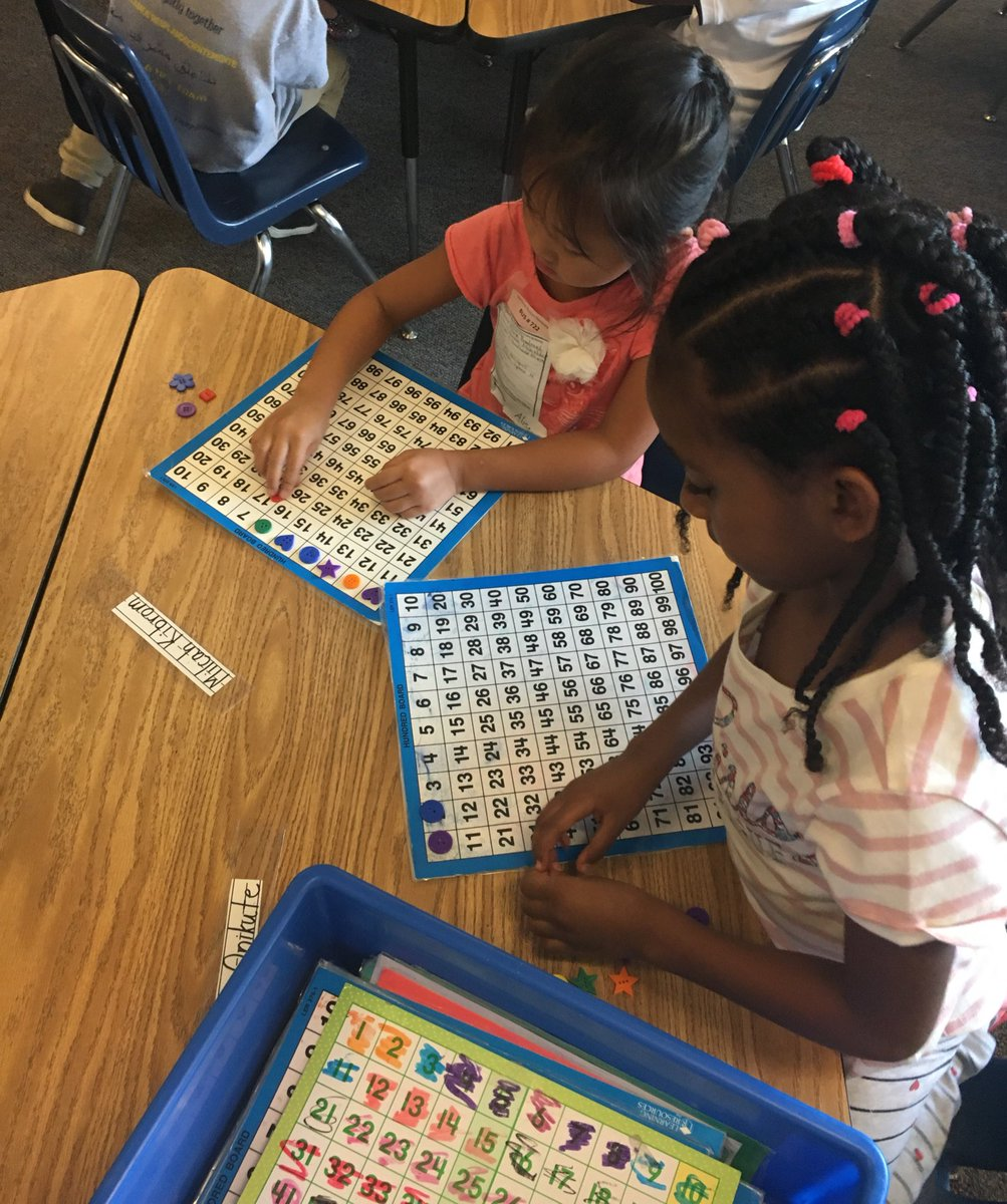 First grade enjoyed learning how to use math tools on the first day of school! <a target='_blank' href='http://twitter.com/HFBAllStars'>@HFBAllStars</a> <a target='_blank' href='http://search.twitter.com/search?q=APSback2school'><a target='_blank' href='https://twitter.com/hashtag/APSback2school?src=hash'>#APSback2school</a></a> <a target='_blank' href='https://t.co/yXinY4x4KC'>https://t.co/yXinY4x4KC</a>