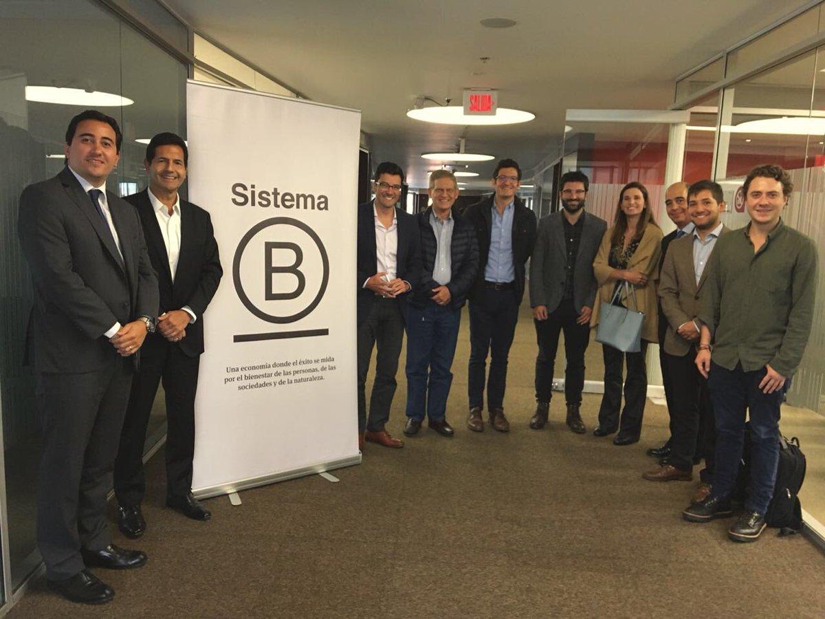 Participamos en la creación del Consejo Empresarial de Sistema B Colombia. Un movimiento empresarial que pone la sostenibilidad en el centro de su gestión corporativa. #140AñosConBogotá https://t.co/vY8Wq2kctU