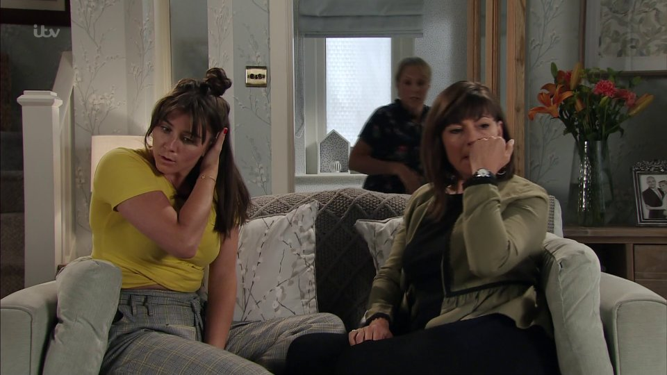 Coronation street fans disgusted with the way sophie webster left the cobbles