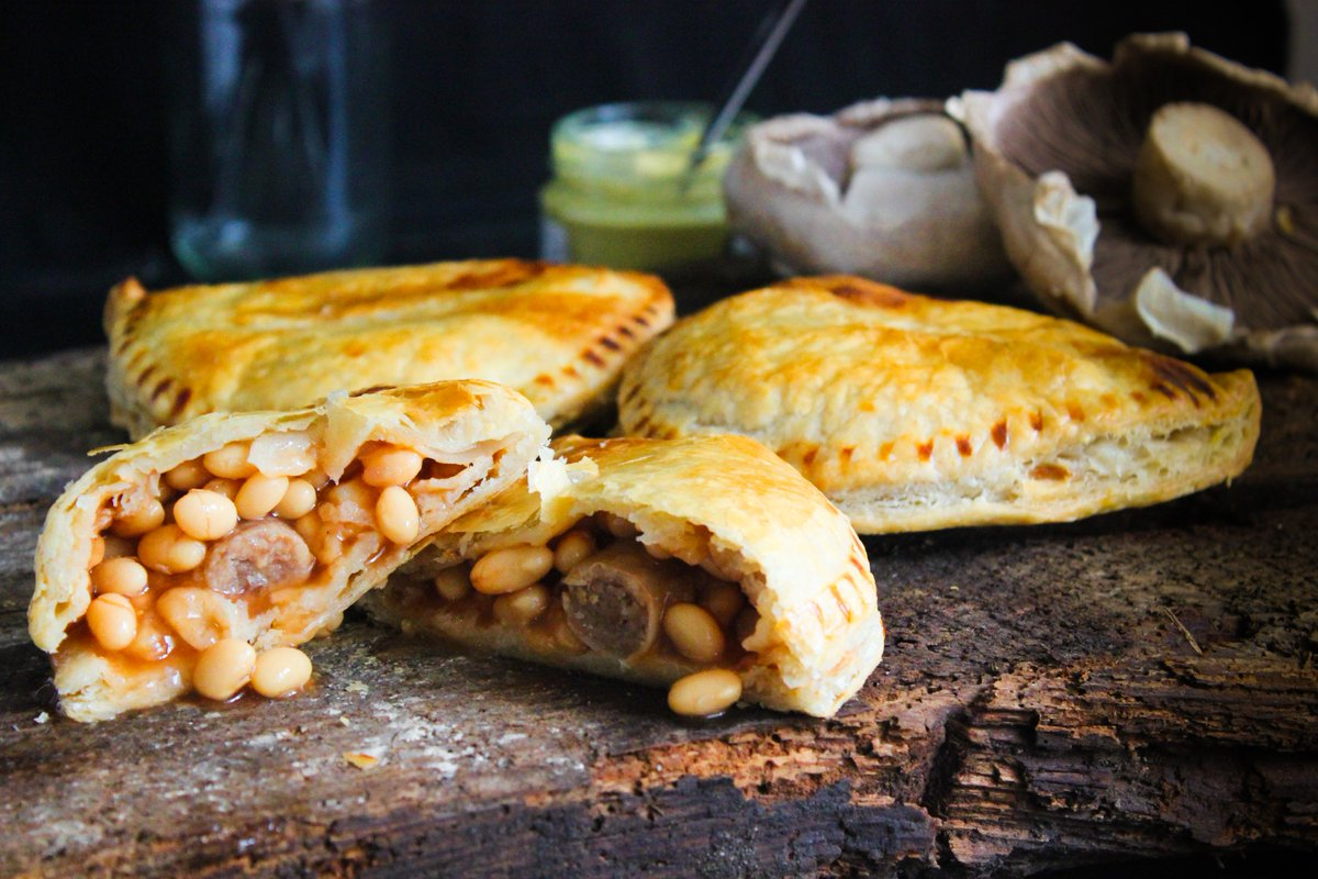 test Twitter Media - Cheesey Bean & Sausage Slice anyone? 😍😍😍🍴 #cheese #beans #sausage #cheeseybeans #pasty #wholesale #chipshop #southwales #wedeliver https://t.co/n6BYATPOmC