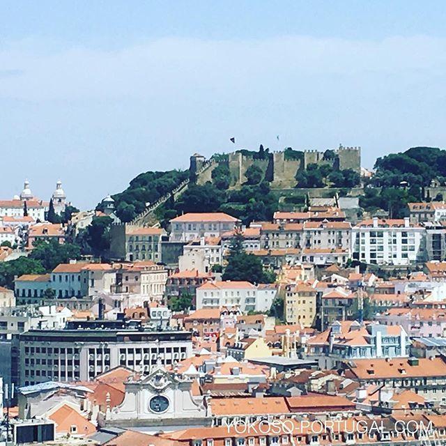 test ツイッターメディア - リスボンのサン・ペドロ・デ・アルカンタラ展望台からサン・ジョルジュ城の眺め。 #リスボン #ポルトガル https://t.co/lXMSqqhOCI