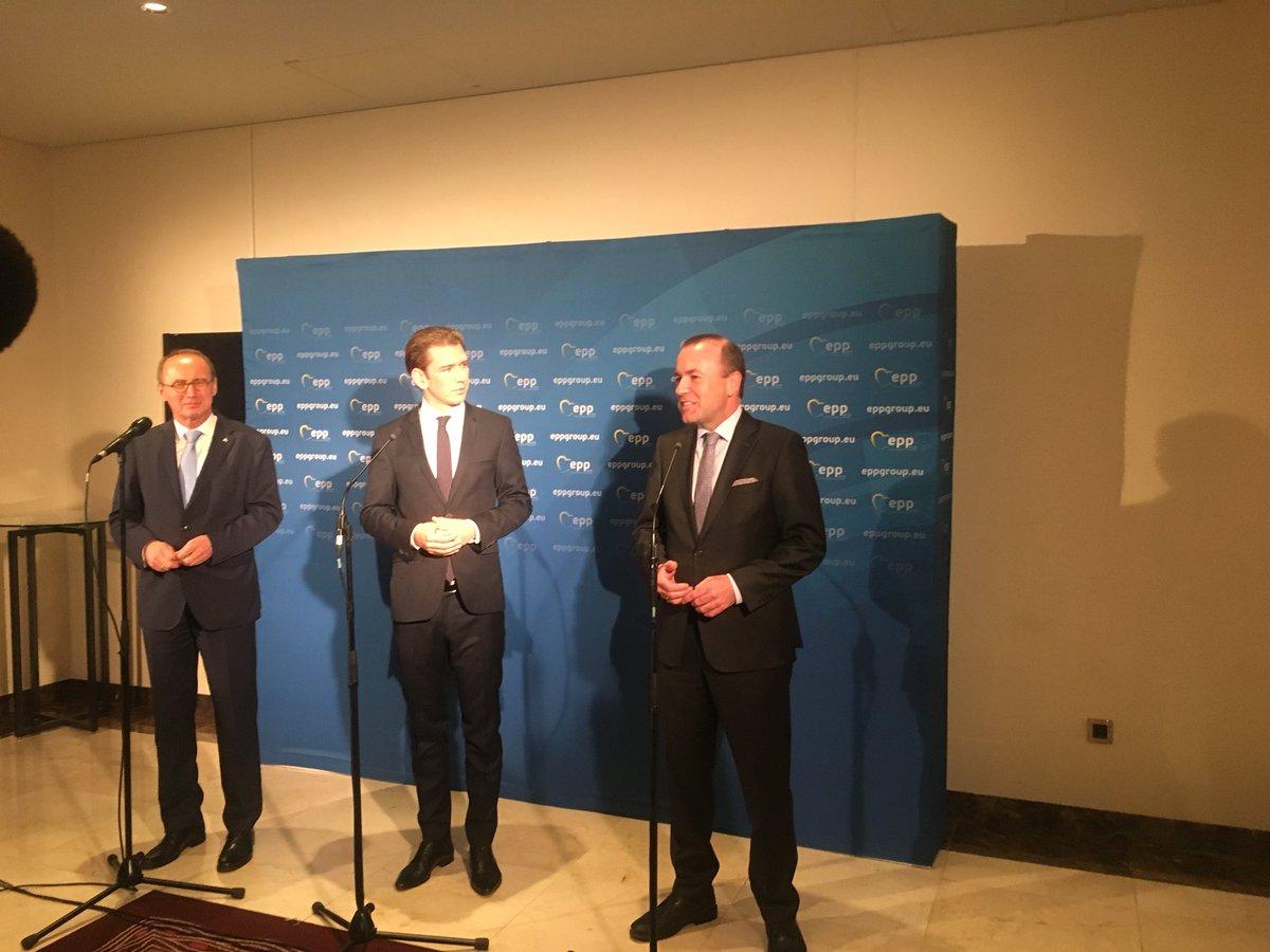 À Vienne en Autriche en réunion @PPE avec le chancelier @sebastiankurz. Crise migratoire, économie, Brexit, une autre vision de l'Europe.