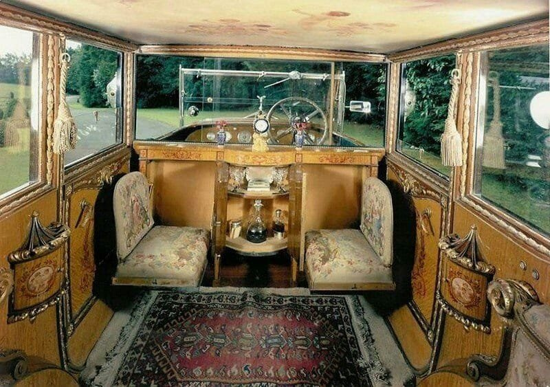 #Car Awesome of the Day: #Victorian & #Steampunk-ish ⚙️ Tapestry Seats Wood Decoration Inside a 1926 #RollsRoyce via @Steampunk_T #SamaCars 🚗
