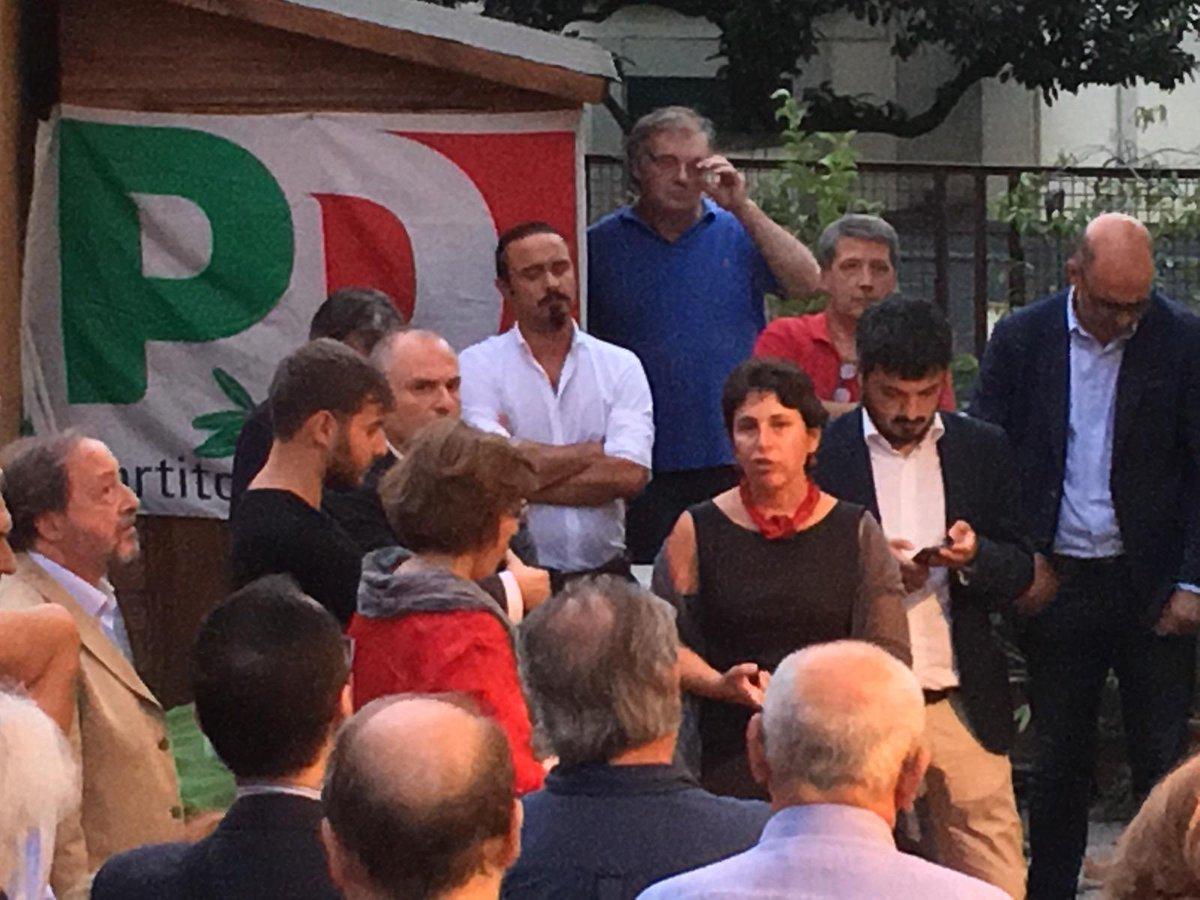A fianco del PD #PonteMilvio con tutta la comunità del @PD_ROMA  - Ukustom