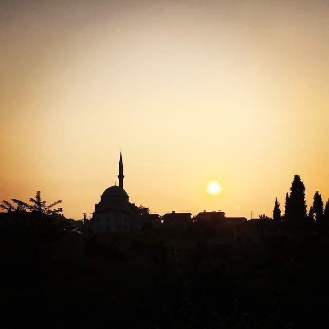 Müslüman, diğer Müslümanların elinden ve dilinden zarar görmediği kimsedir. (Hz. Muhammed SAV) Hayırlı Cumalar (Fotoğraf: İstanbul) Photo