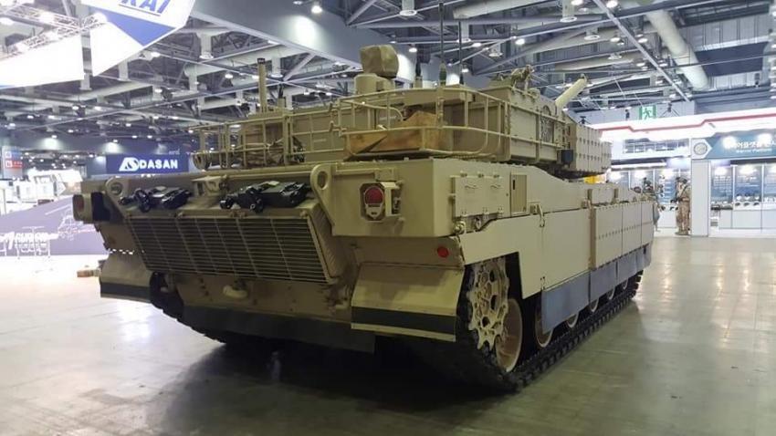 بلد شرق اوسطي واحد على الاقل يبدى اهتماما بشراء دبابات  K2 Black Panther الكوريه الجنوبيه  Dm_YjnOXoAE9KIb