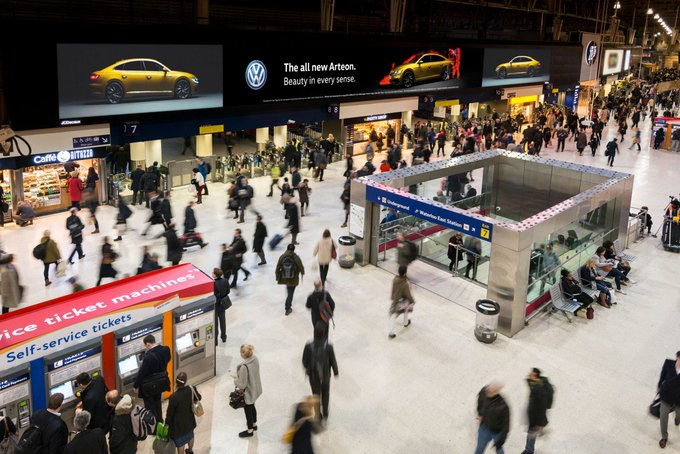 Network Rail hands JCDecaux £280m ad contract to fully digitize station advertising Photo