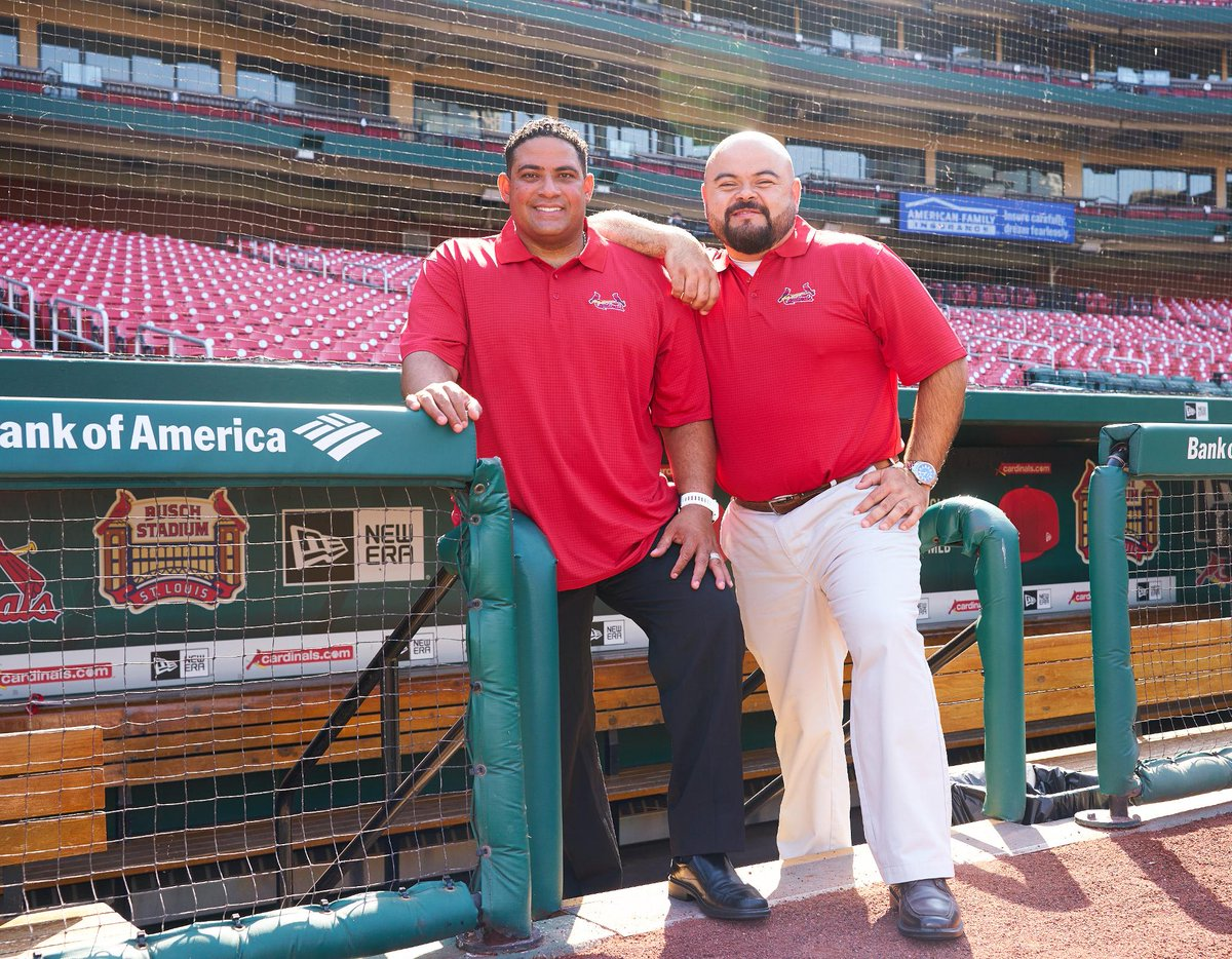 The regular season is winding down...don&#39;t miss your chance to hear @BengieMolina1 and @poloascencio call the Cardinals vs. Dodgers all weekend in Spanish, live from Busch Stadium on the @MLB AtBat App or @LaTremenda880!<br>http://pic.twitter.com/TXKEED0RqH