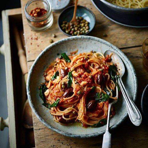 Big bowls of spaghetti puttanesca for the #SaturdayNight win 🍝😍🍝😍🍝😍🍝😍https://t.co/s5HiBMnWfn https://t.co/jSpLrnt2tI