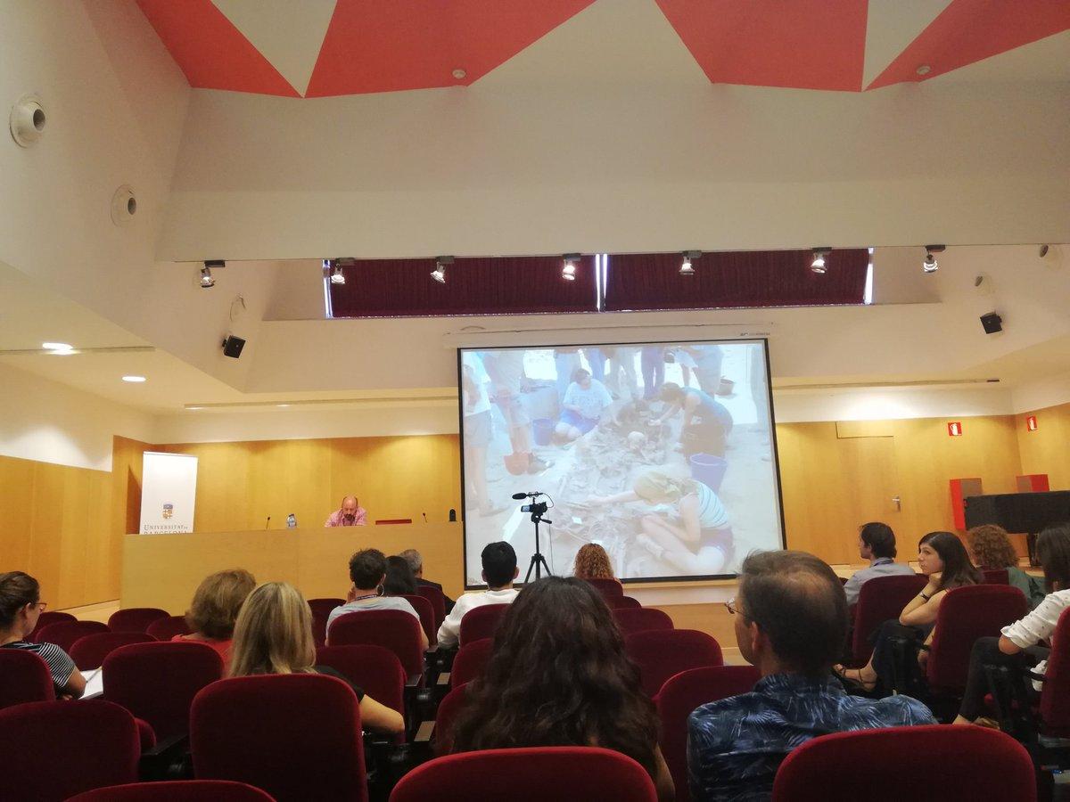Alfredo González Ruibal #Keynotegonzalezruibal parla sobre l'arqueologia del conflicte al #EAA2018