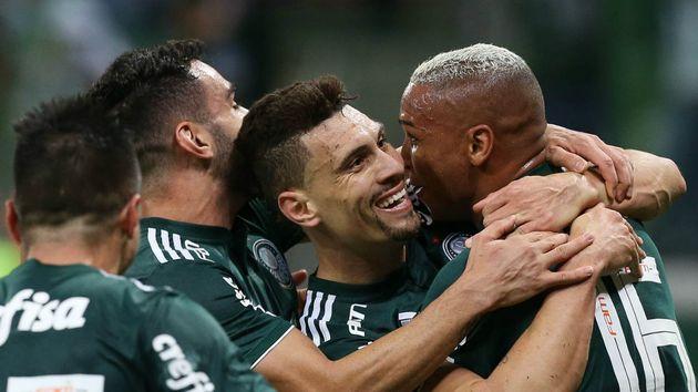 581554383f Palmeiras supera chelsea, roma, rivais e aparece em top dez dos escudos mais  bonitos do mundo 👉 - scoopnest.com