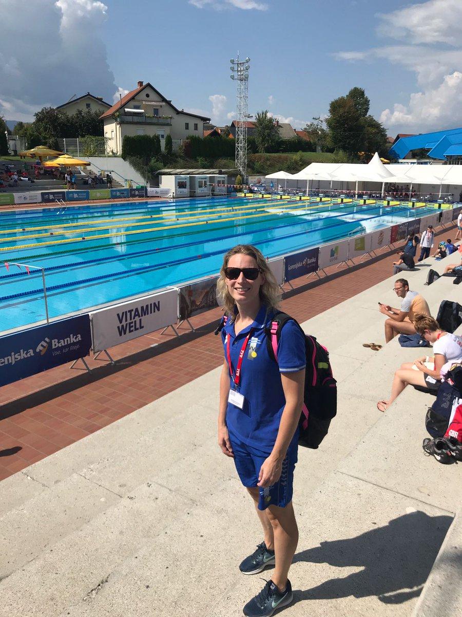 Gefeliciteerd master zwemster Delia Badoux met je 3 bronzen EMK medailles🥉🥉🥉 Lees hier meer over haar Sloveense avontuur:  https://t.co/1AWLx68laN