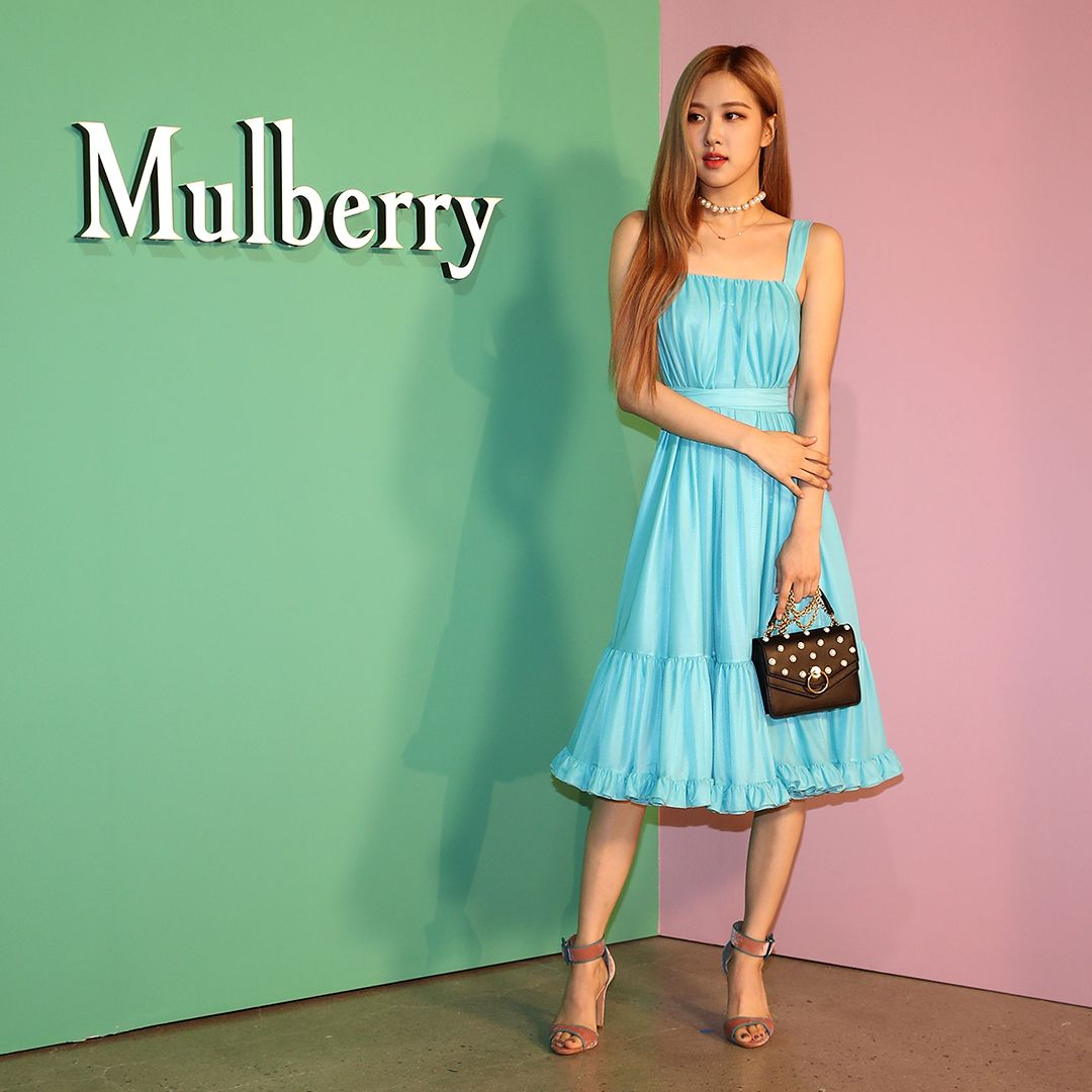 6494b67fc1a576 Mulberry Muses   BLACKPINK RSP from a ygofficialblinkt our AW 18 show  earlier today