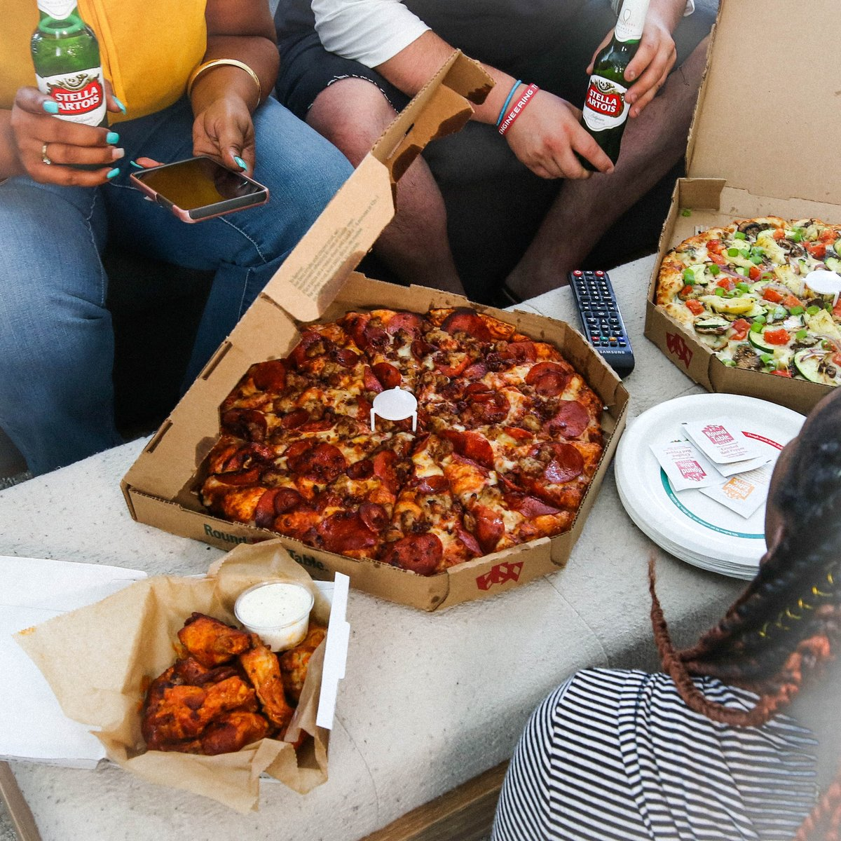Round Table Pizza Wings.Round Table Pizza On Twitter Beer Pizza Wings Ok