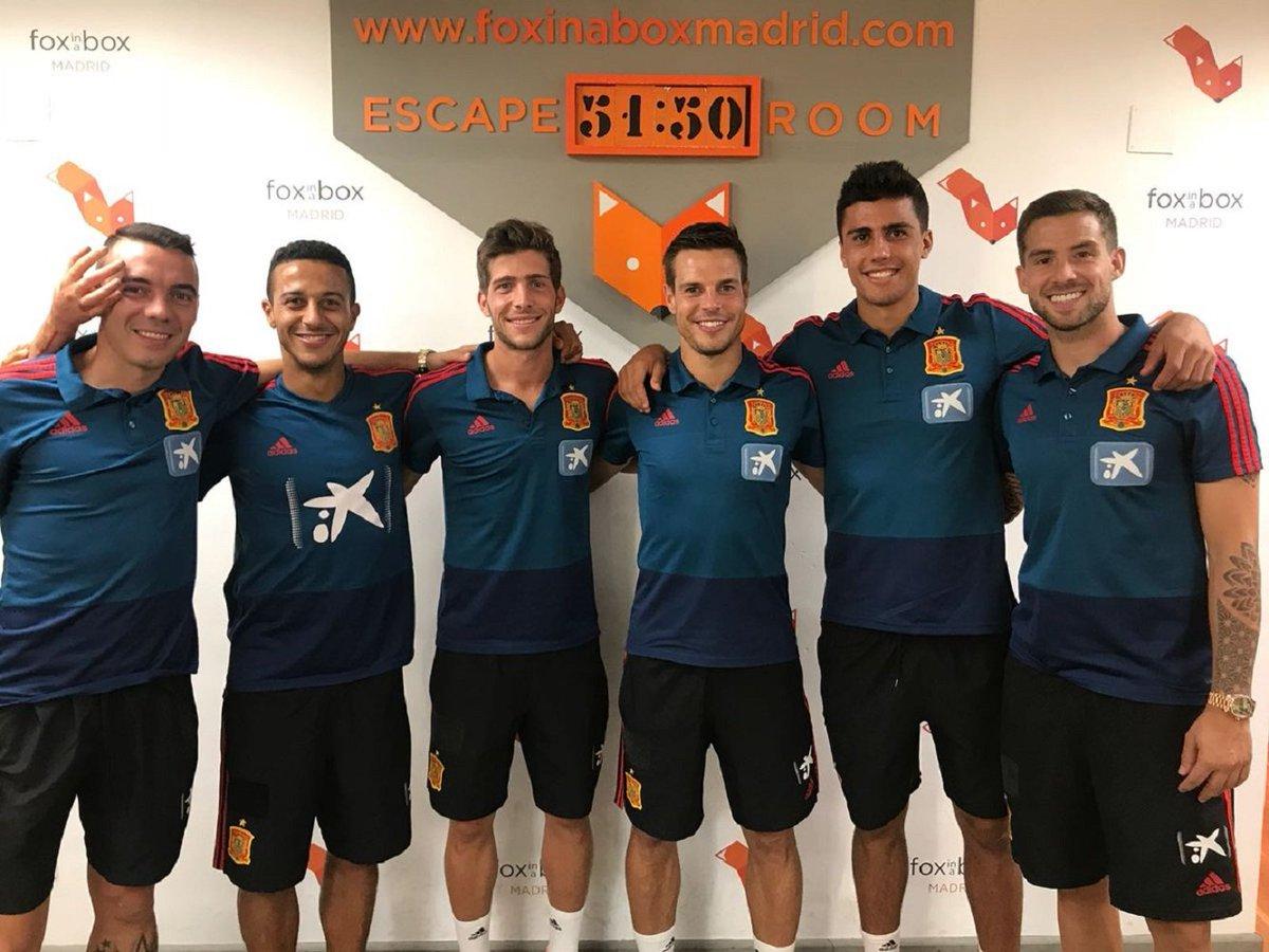 ¿Cuánto mide Sergi Roberto? - Altura - Real height Dmey9ObXgAEqIcf