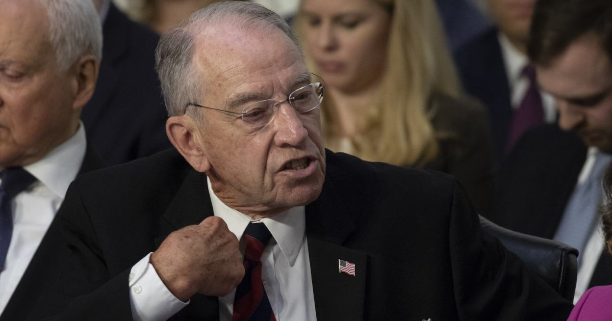 d74aff731e ... Mueller's investigation, Chuck Grassley has arguably served as Nunes'  quieter but less inept partner http://bit.ly/2CsS0Eo  pic.twitter.com/mRa2LS0sFi