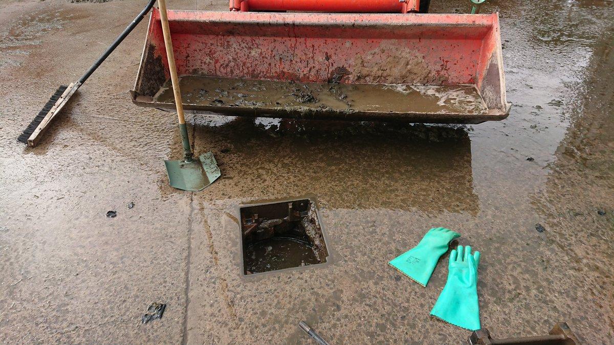 test Twitter Media - Not all Greenkeeping tasks are glamorous. Blocked drains don't care its a Friday. https://t.co/6KilHOWpJU