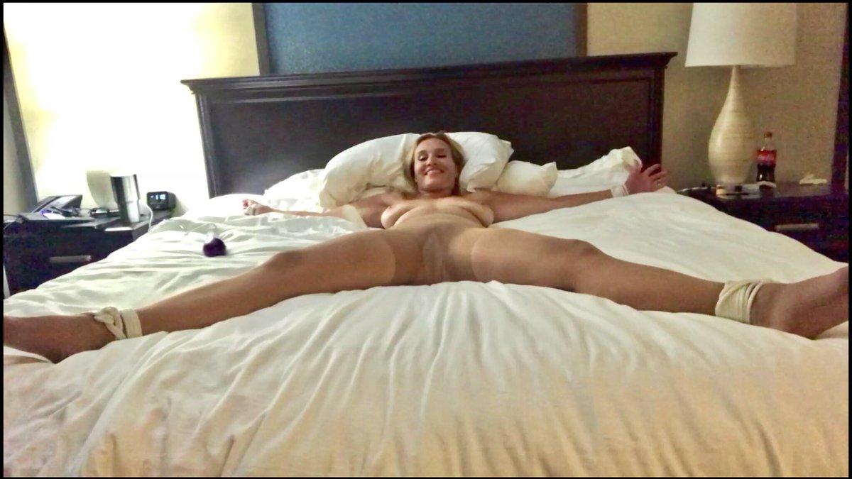 Maureen larozabal nude pictures