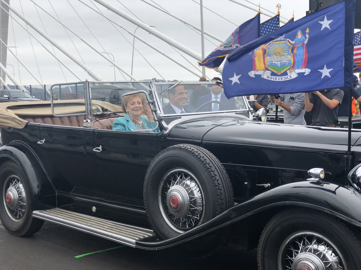 Andrew Cuomo On Twitter Driving Across The 2nd Span Of The Gov Mario M Cuomo Bridge For The First Time In A 1932 Packard Owned By Franklin D Roosevelt A Beautiful Car