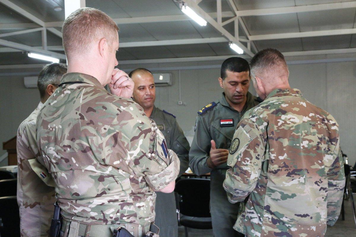 جهود التحالف الدولي لتدريب وتاهيل وحدات الجيش العراقي .......متجدد - صفحة 4 DmfzStZVsAEpsJ3