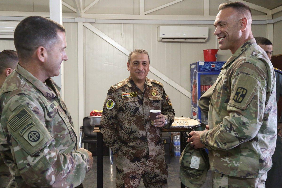 جهود التحالف الدولي لتدريب وتاهيل وحدات الجيش العراقي .......متجدد - صفحة 4 DmfzSupU4AIUWiw