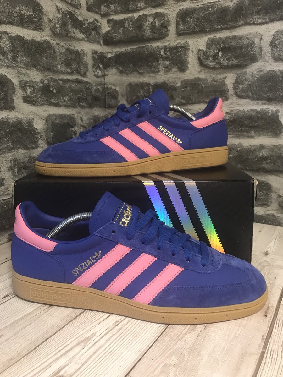 02e250bf7f3 ... #spezial #Mi Blue Pink UK 9 10/10 like new Worn Once RRP £80  personalised insole Box and Spare Laces £60 TYD RT Appreciatedpic.twitter .com/OytIXKp2ij