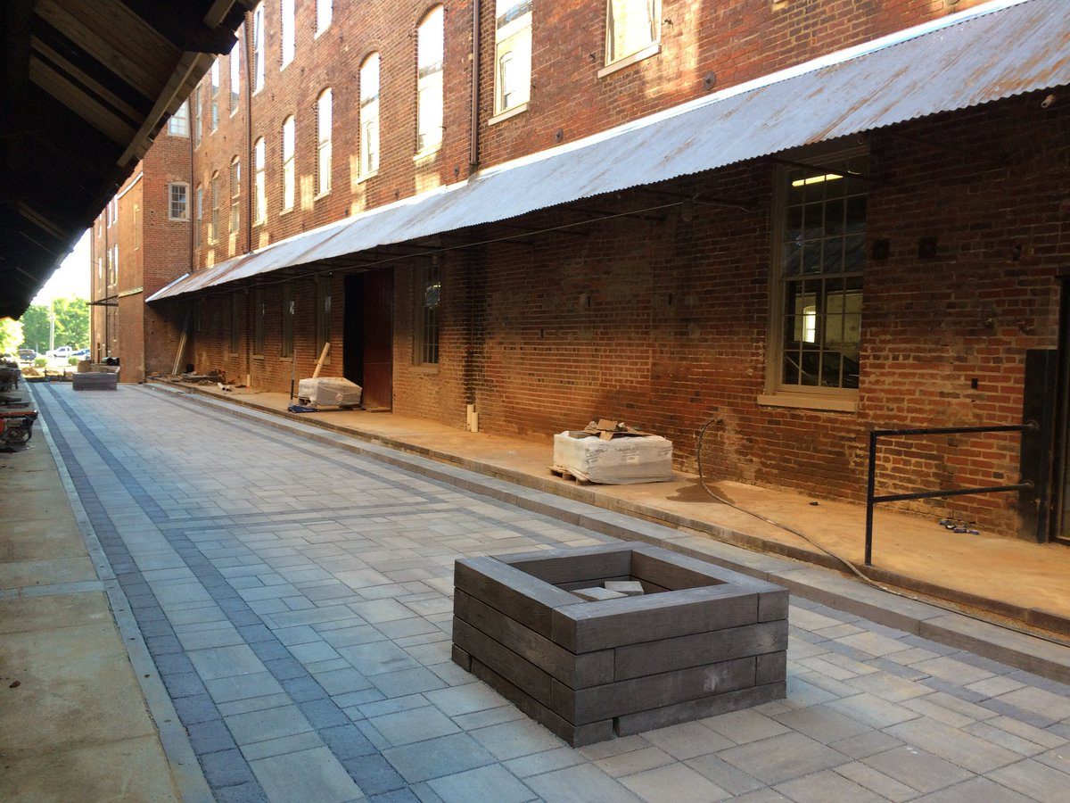 Amazing Work Share Some Pictures With Us Of Your Favorite Paver Patios You Enjoy A Cold One