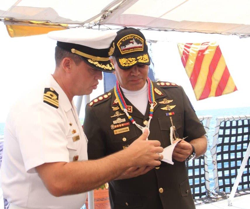 Escuadron de Submarinos - Página 17 DmgsDY_XcAUFlJT