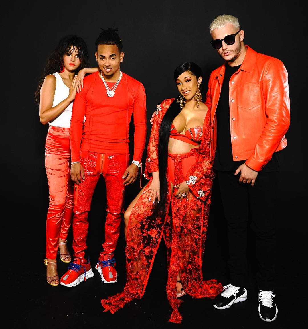 I promise to wear my best red outfit if I can join this #TAKITAKI squad 🔥