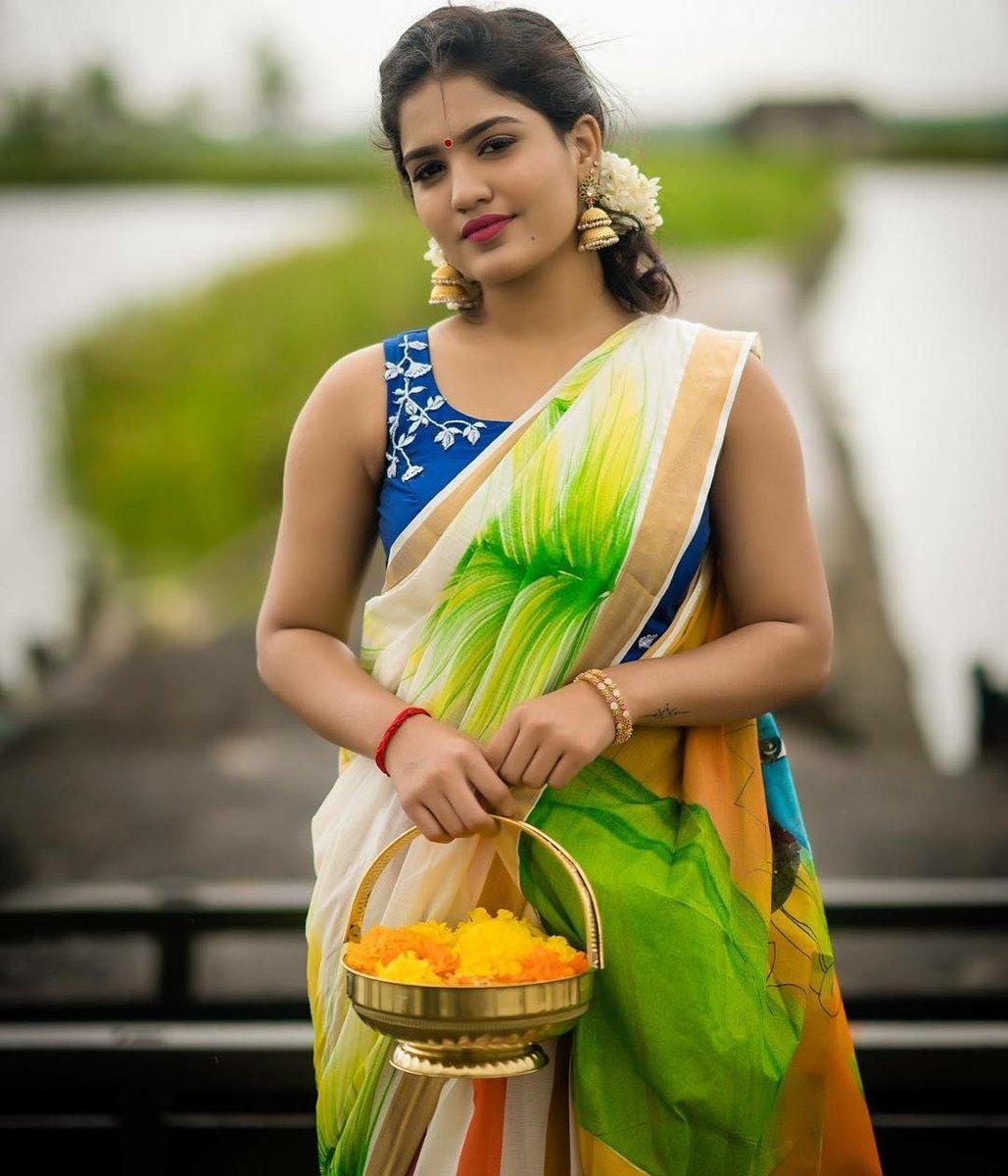 Kerala Cute Beautiful Girl Actress Gallery