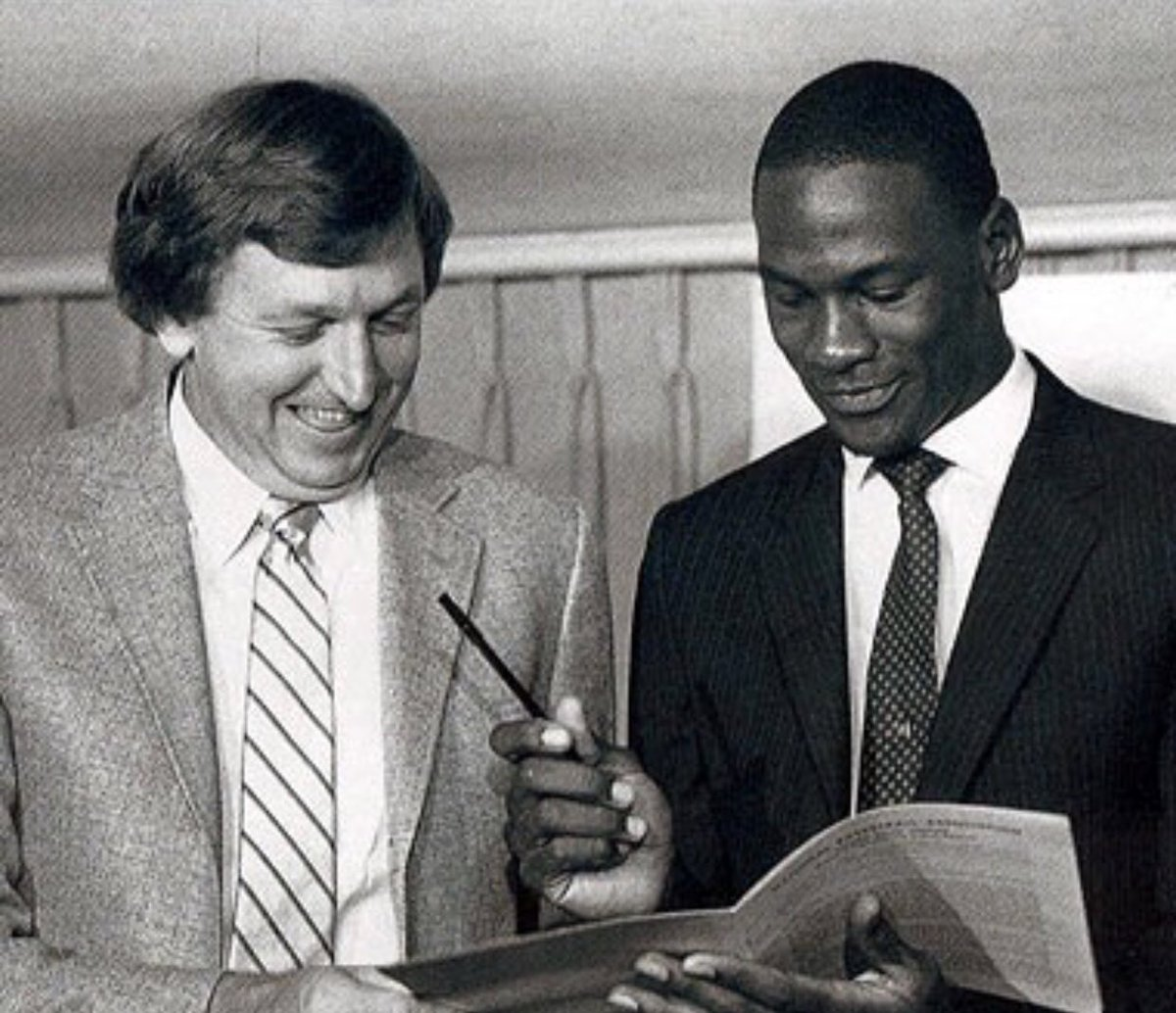 9f1306ebd78 Thorn, a former GM and coach of the Bulls, was instrumental in selecting Michael  Jordan with the 3rd pick in the 1984 NBA Draft.pic.twitter.com/QoIFaMJbsu