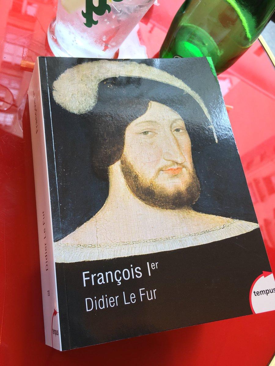 Après une journée à #VillersCotterêts mon #vendredilecture est évidemment cet excellent livre, en particulier pour la dernière partie, consacrée à la construction du mythe royal et à l'invention d'un «#FrançoisIer imaginaire» (selon la belle formule d'Anne-Marie Lecoq).  - FestivalFocus