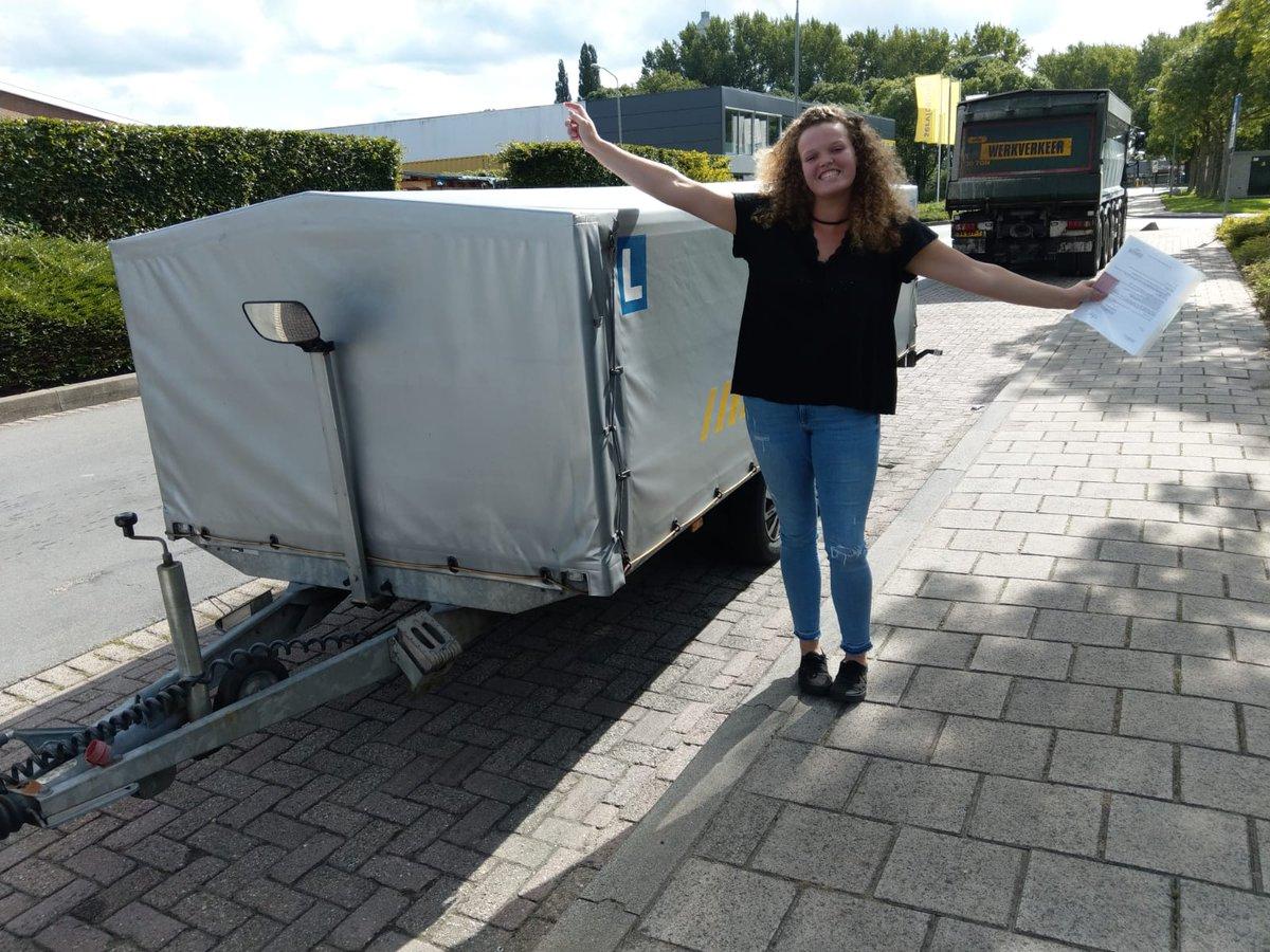 test Twitter Media - Danielle Baan gefeliciteerd met het behalen van je BE rijbewijs. Veel fijne en veilige kilometers met de paardentrailer gewenst! https://t.co/UBdxJobmqc