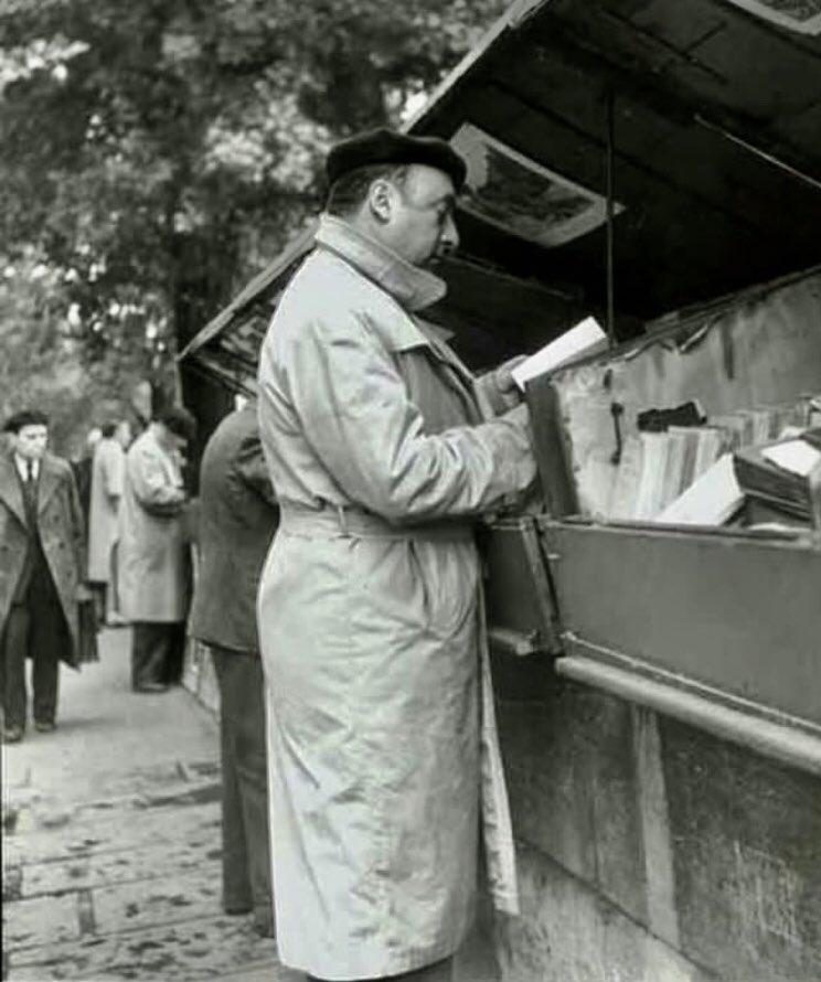 #VendrediLecture Neruda chez les bouquinistesParis 1949,  - FestivalFocus