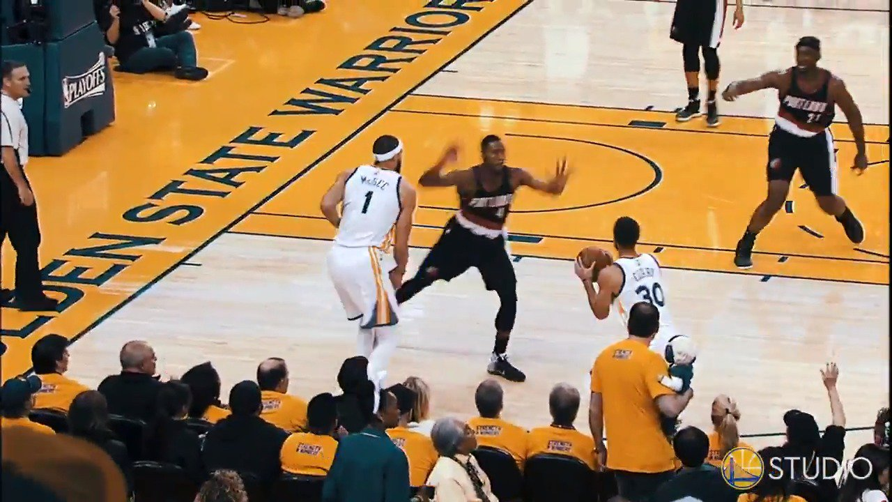 Hey #DubNation, what's your favorite �� move?       Ours? The Curry pumpfake �� https://t.co/QEQIC0WvQx