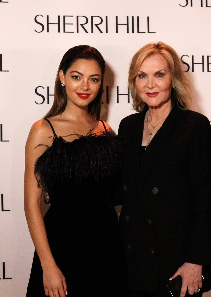 #MissUniverse @DemiLeighNP next to the icon herself, @SherriHill on the Red Carpet at this year's #NYFW